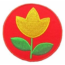 Strijkapplicatie : rood met gele tulp