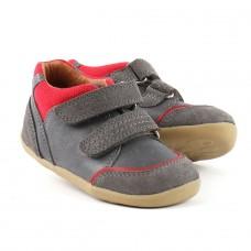Grijze spotieve schoentjes met rode accenten- step up bobux- smoke tumble boot