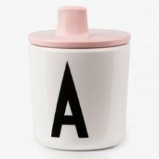Roze drinktuit voor design letter bekers