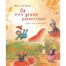 Prentenboek + cd : Op een grote paddenstoel - Mies Van Hout (Geboortelijst Fien G.)