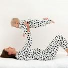 Mama pyjama cats